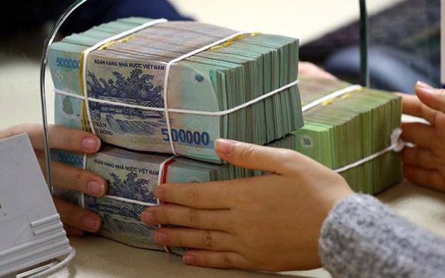 Đầu tư tài chính dài hạn bằng cách gửi tiết kiệm ngân hàng